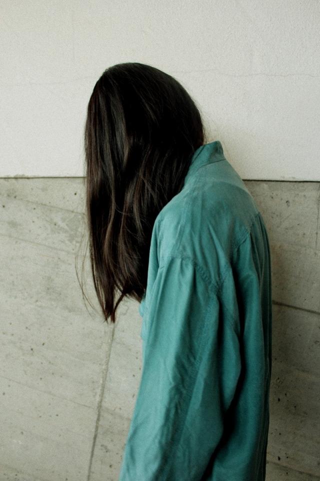 OOTD: Grünes Vintage Seidenhemd & The Kooples Lederjacke
