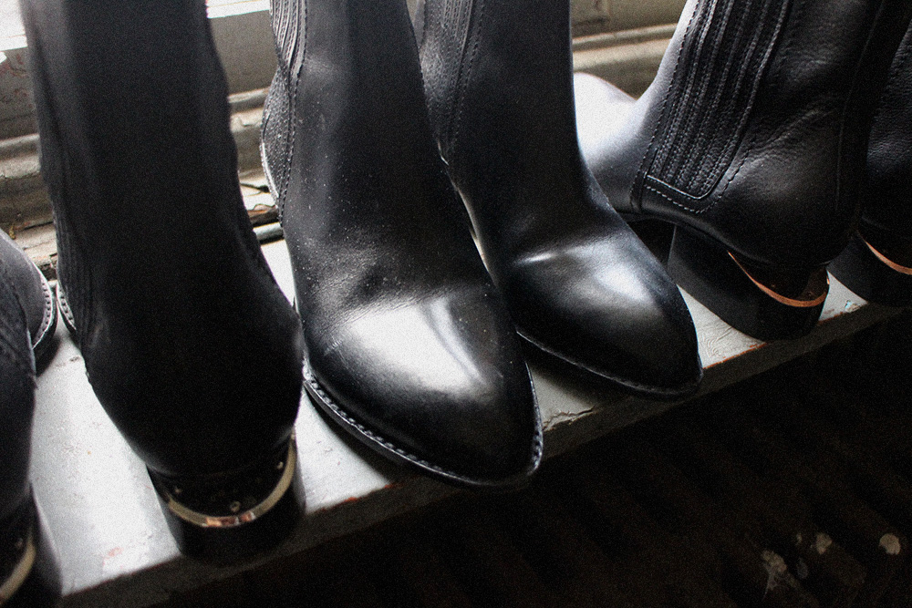 IHEARTALICE_alexanderwang_samplesale_shoes_shoppinghaul_08