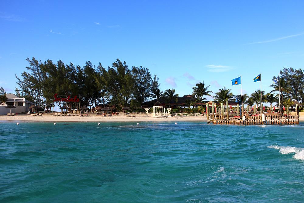 IHEARTALICE_Bahamas_99