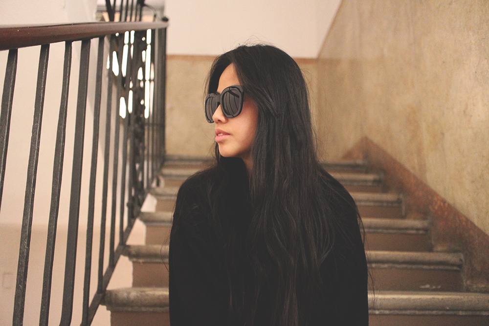 IHEARTALICE.DE – Fashion & Travel Blog: All Black Everything Look wearing Big Black Shades