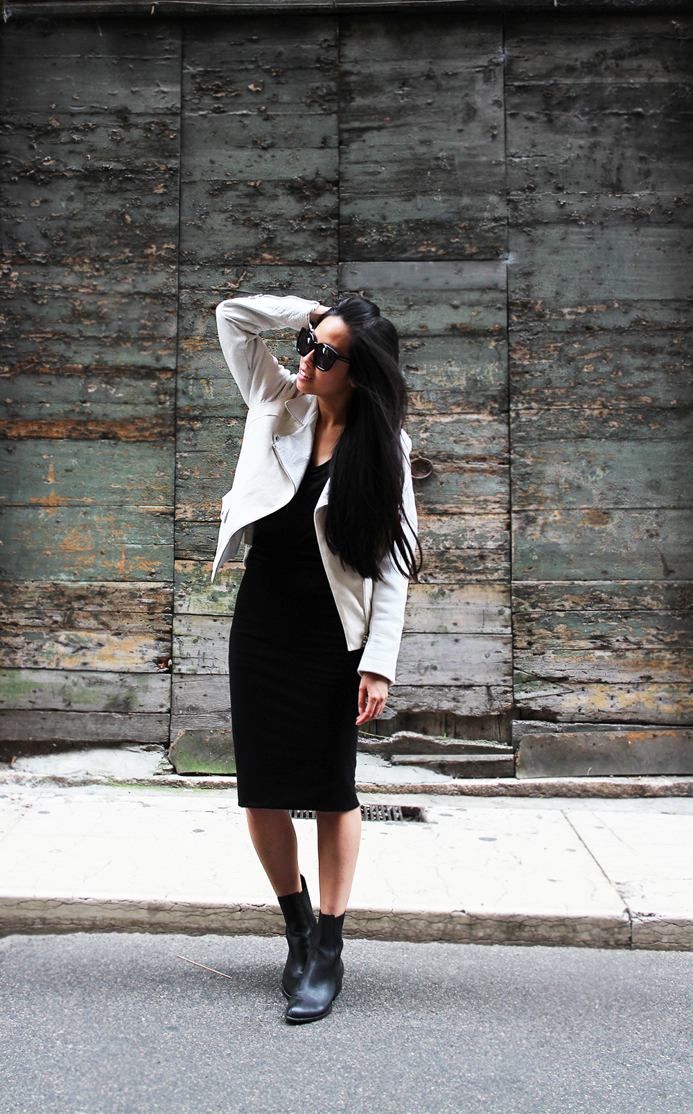 IHEARTALICE.DE – Fashion & Travel-Blog by Alice M. Huynh from Germany: Verona/Italy Travel & Food Diary –  All Black Everything Look wearing White Leatherjacket