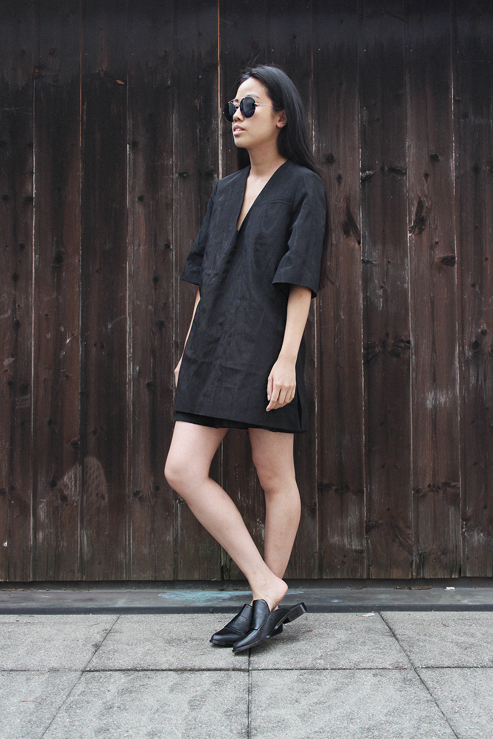 IHEARTALICE.DE – Fashion & Travel Blog: All Black Everything Look wearing Tibi Leather Loafers