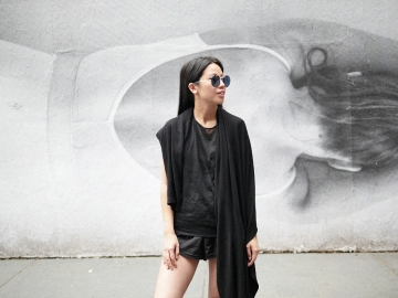 IHEARTALICE.DE – Travel & Fashion-Blog from Berlin/Germany by Alice M. Huynh: All Black Everything Summer-Look wearing Helmut Lang, Gina Tricot, Boots & Prada Shades in New York / NYC Travel Diary