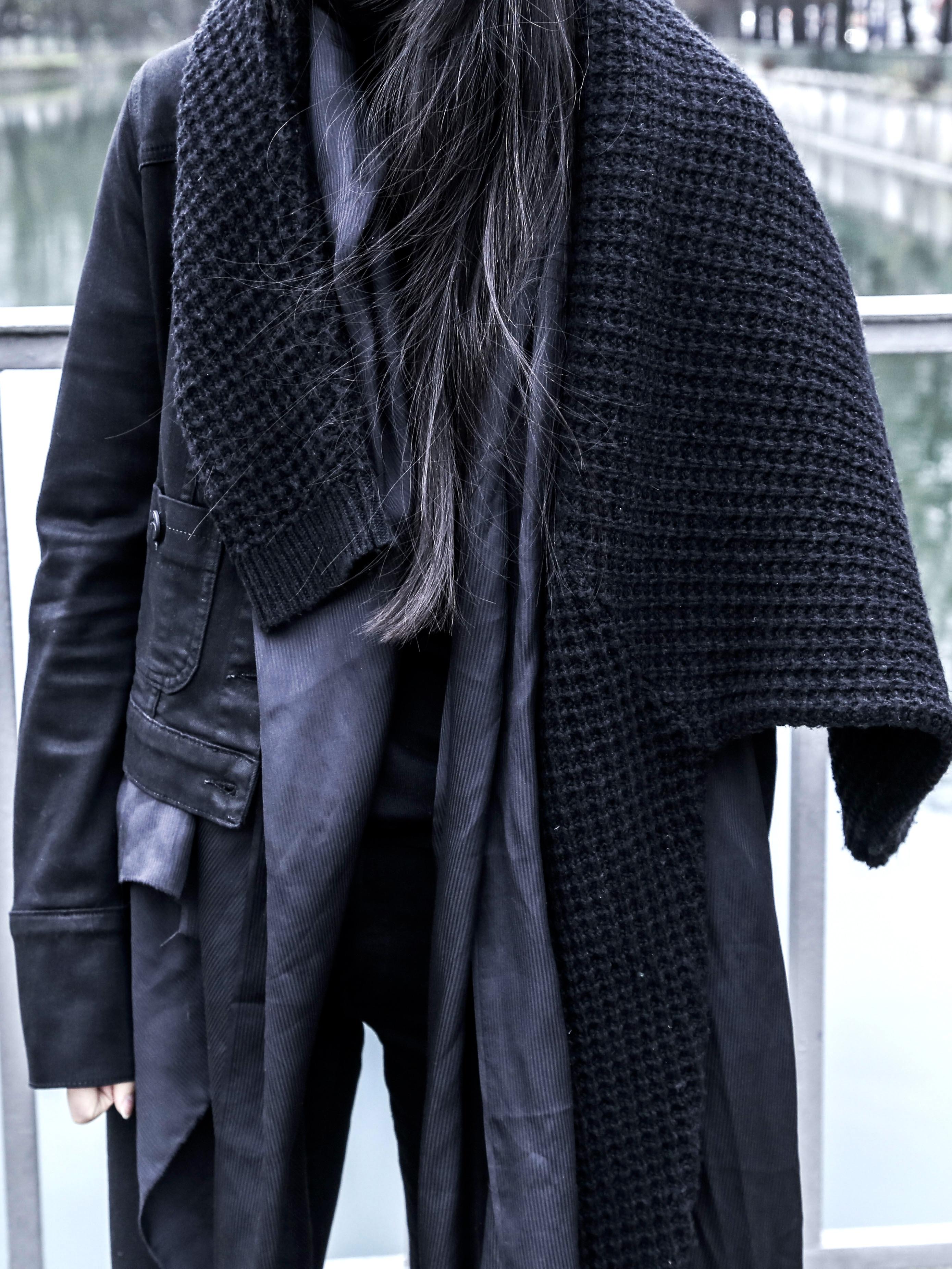 won_hundred_black_knit