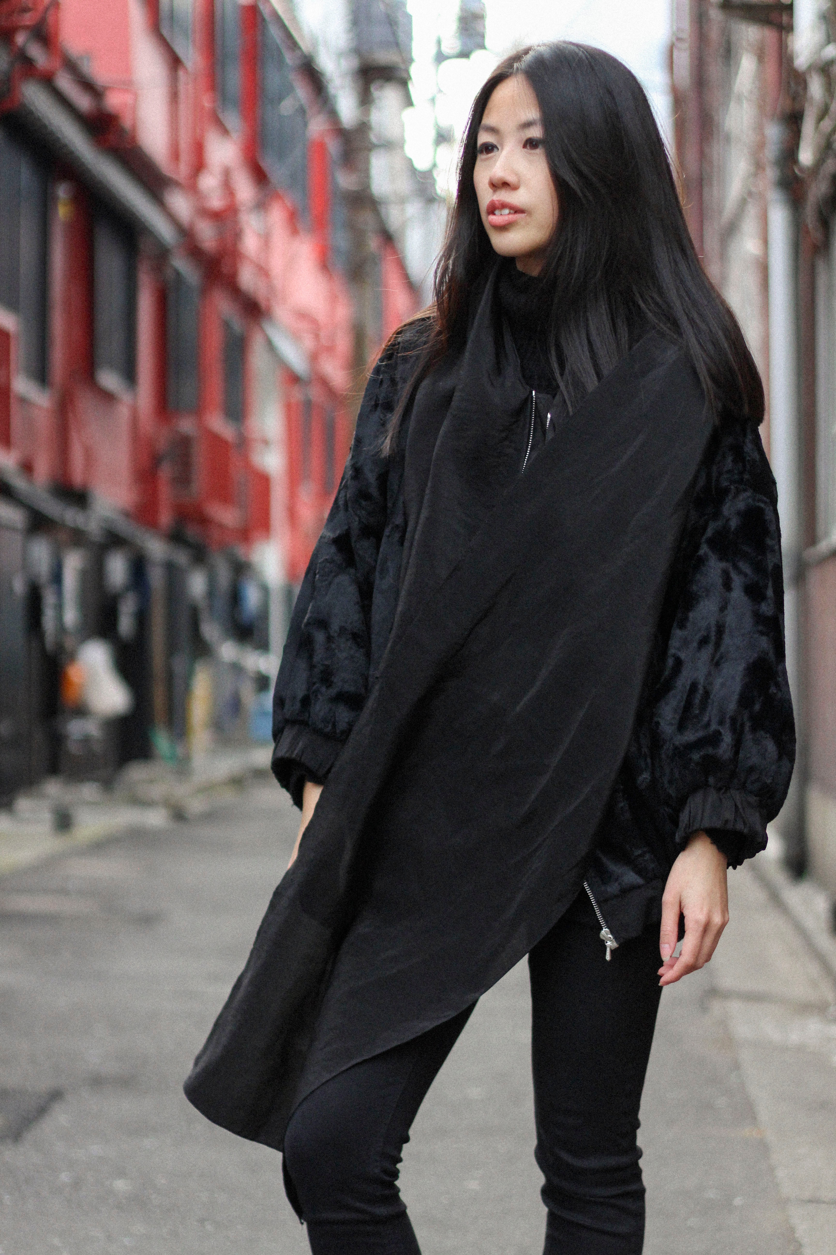 IHEARTALICE.DE – Fashion & Travel-Blog by Alice M. Huynh from Berlin/Germany: Tokyo, Japan Travel Diary – All Black Everything Look in Tokyo wearing Bomberjacket, Acne jeans & Nike Roshe-runs / Tokyo Streetstyle