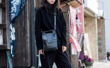 Looks of Alice: Casual in Knitwear Turtleneck & Boyfriend jeans in Kyoto/Japan