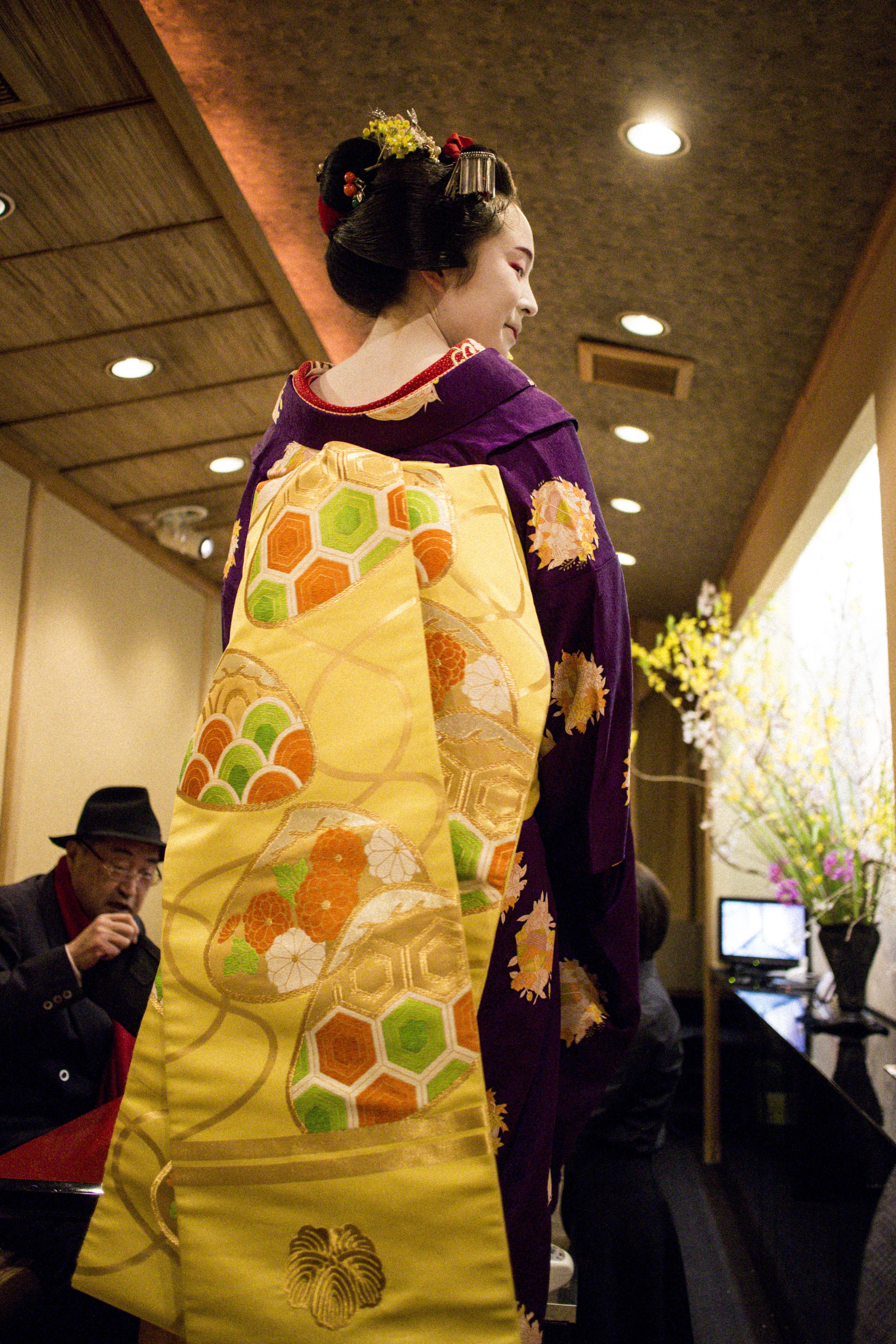 IHEARTALICE_kyoto_geisha_teahouse_03