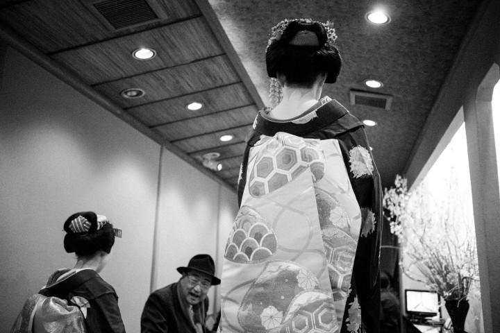 Geiko, Maiko, Geisha, Teahouse, Kyoto, Tokyo, Japan, Kimono, Obi,