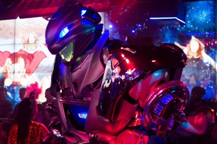 Japan Travel Diary: Robot Restaurant in Tokyo / Shinjuku