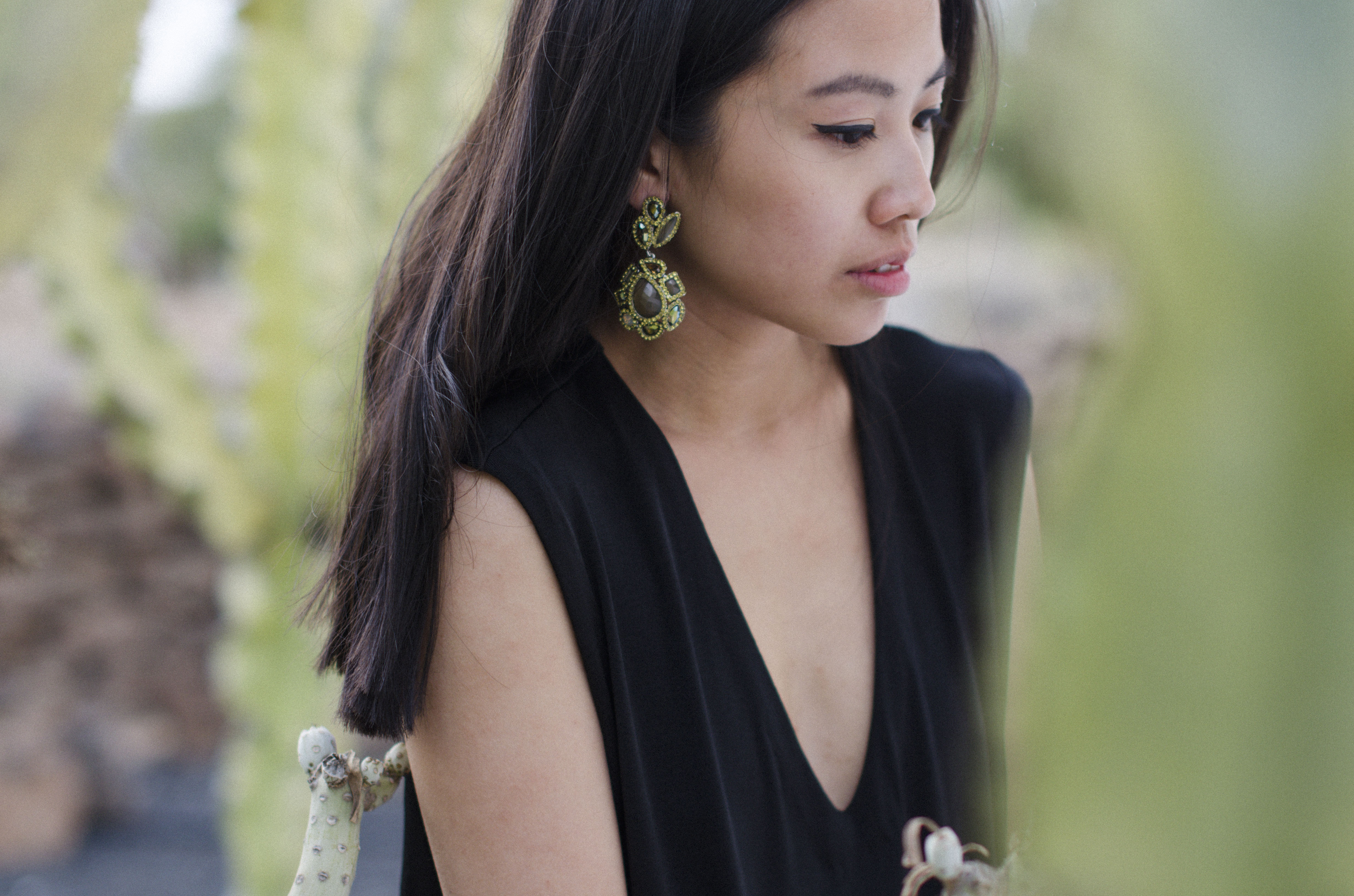 IHEARTALICE.DE – Fashion & Travel-Blog from Germany/Berlin by Alice M. Huynh: Black Jersey V-Neck Dress by Alice M. Huynh & Statement Swarowski Earrings in Fuerteventura