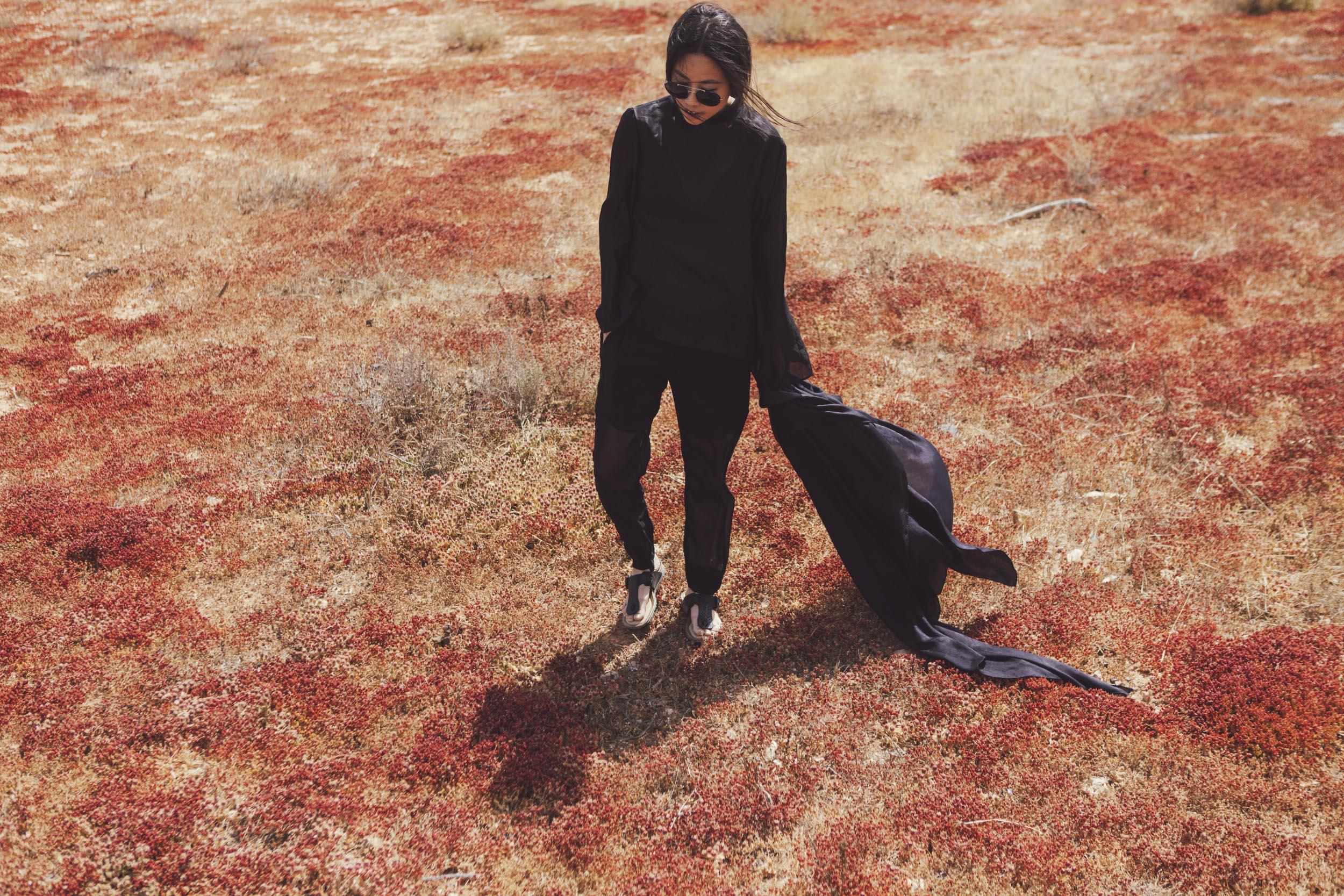 I heart Alice Looks: Silk Blouse & VInce Silk Pants in Fuerteventura by Lina Zangers
