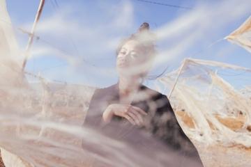 I heart Alice Looks in Fuerteventura: Mini Silk Dress & Alexander Wang Anouk Boots by Lina Zangers