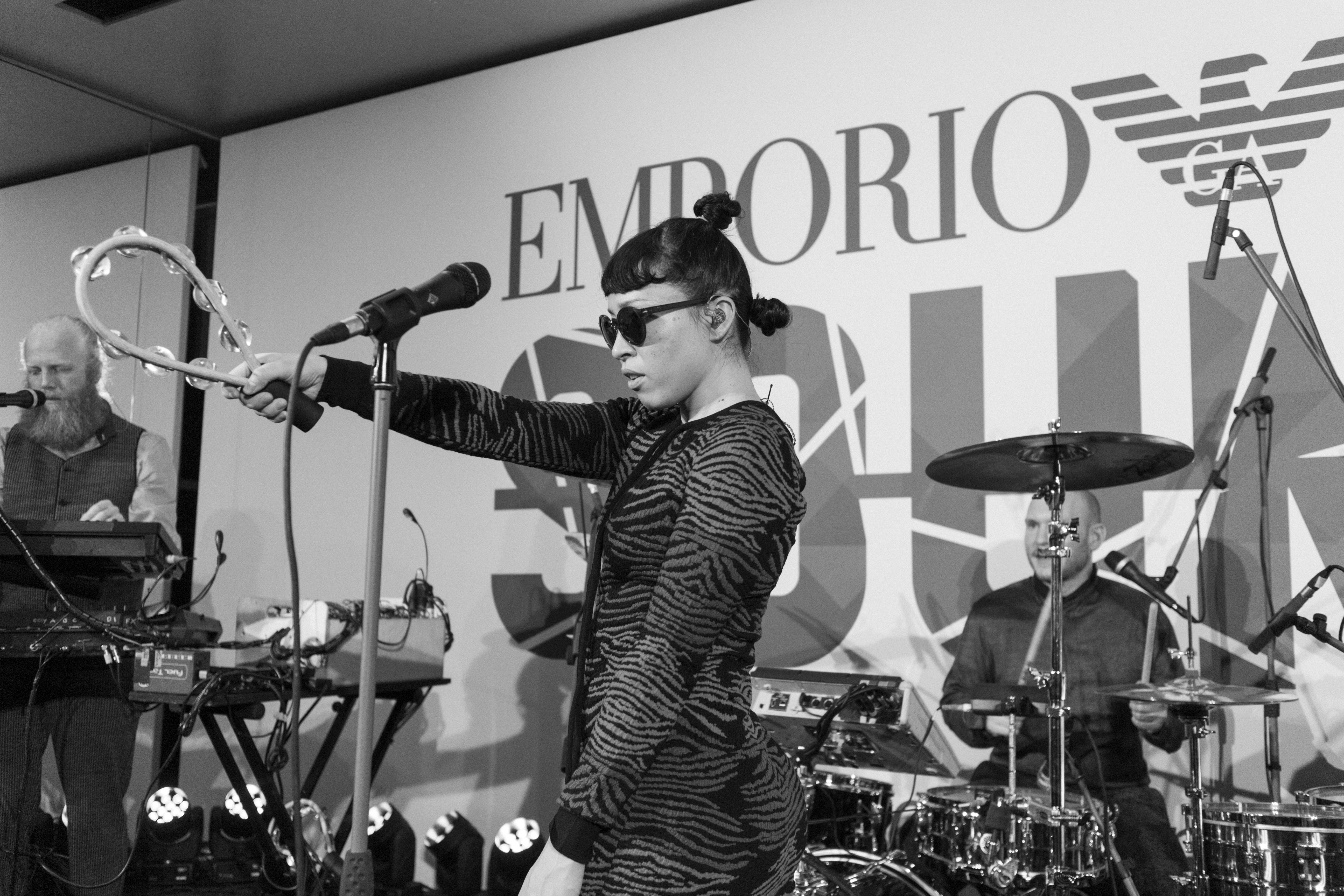 I HEART ALICE - Fashionblog from Germany: Emporio Armani Sound with Little Dragon