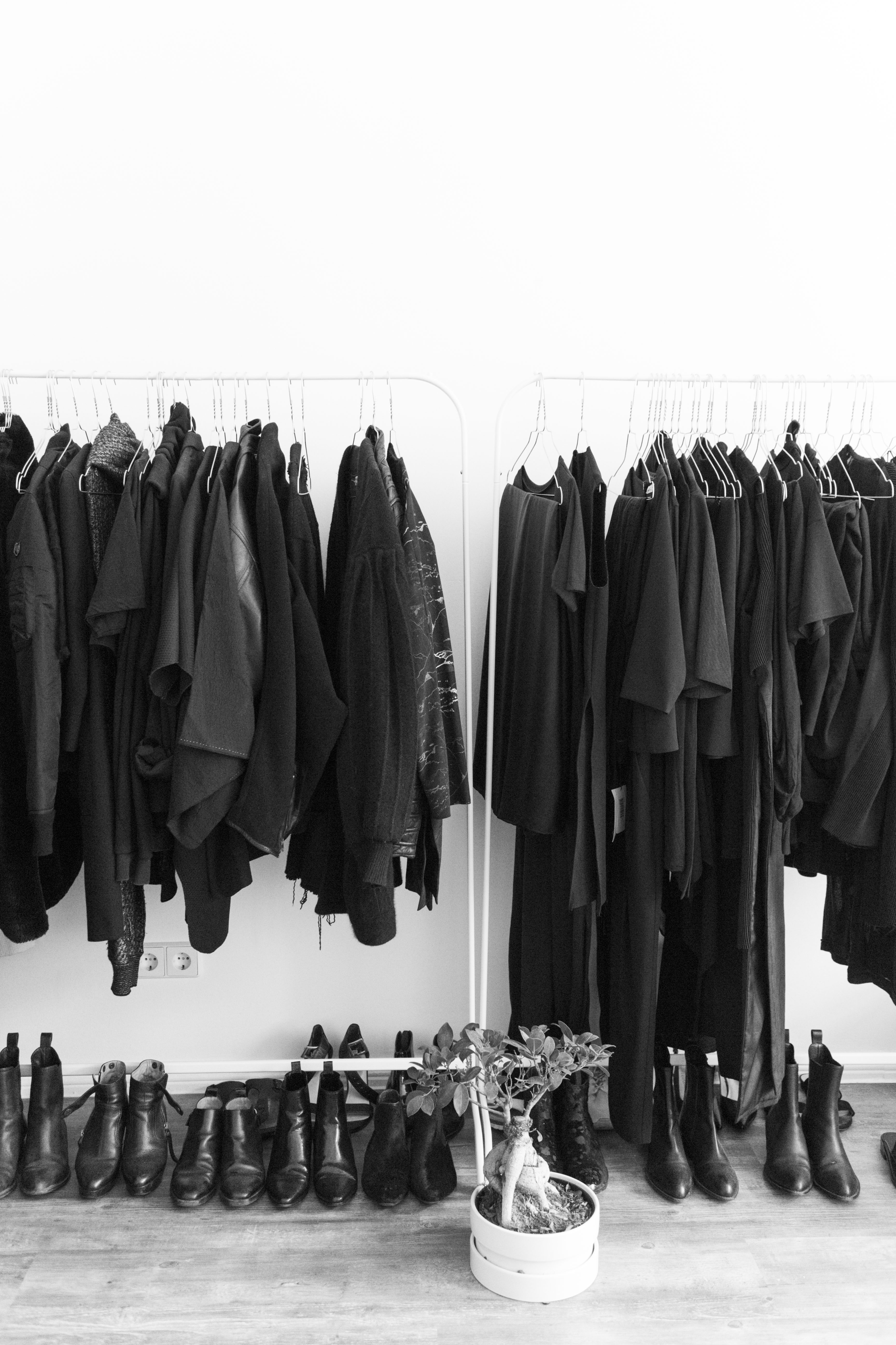 I HEART ALICE – Fashion blog from Berlin / Germany: Interior Favorites – Minimalist Clothing Rack