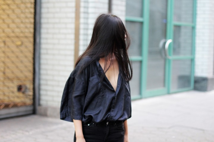 IHEARTALICE – Fashion and Travel Blog from Berlin/Germany by Alice M. Huynh: Black Vintage Silk Blouse & Skinny Acne Jeans