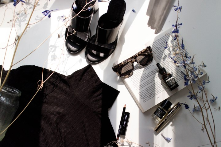 IHEARTALICE – Fashion & Travel Blog from Berlin/Germany by Alice M. Huynh: Stockholm Fashion Week Essentials: aesop scalp oil, Bobbi Brown Lipstick, Rodenstock Shades, Hien Le x Verduu No 1 Parfume, L'Oreal Volume Million Lashes, Haruki Murakami Kafka am Strand, Topshop Heels, Weekday Turtleneck Dress