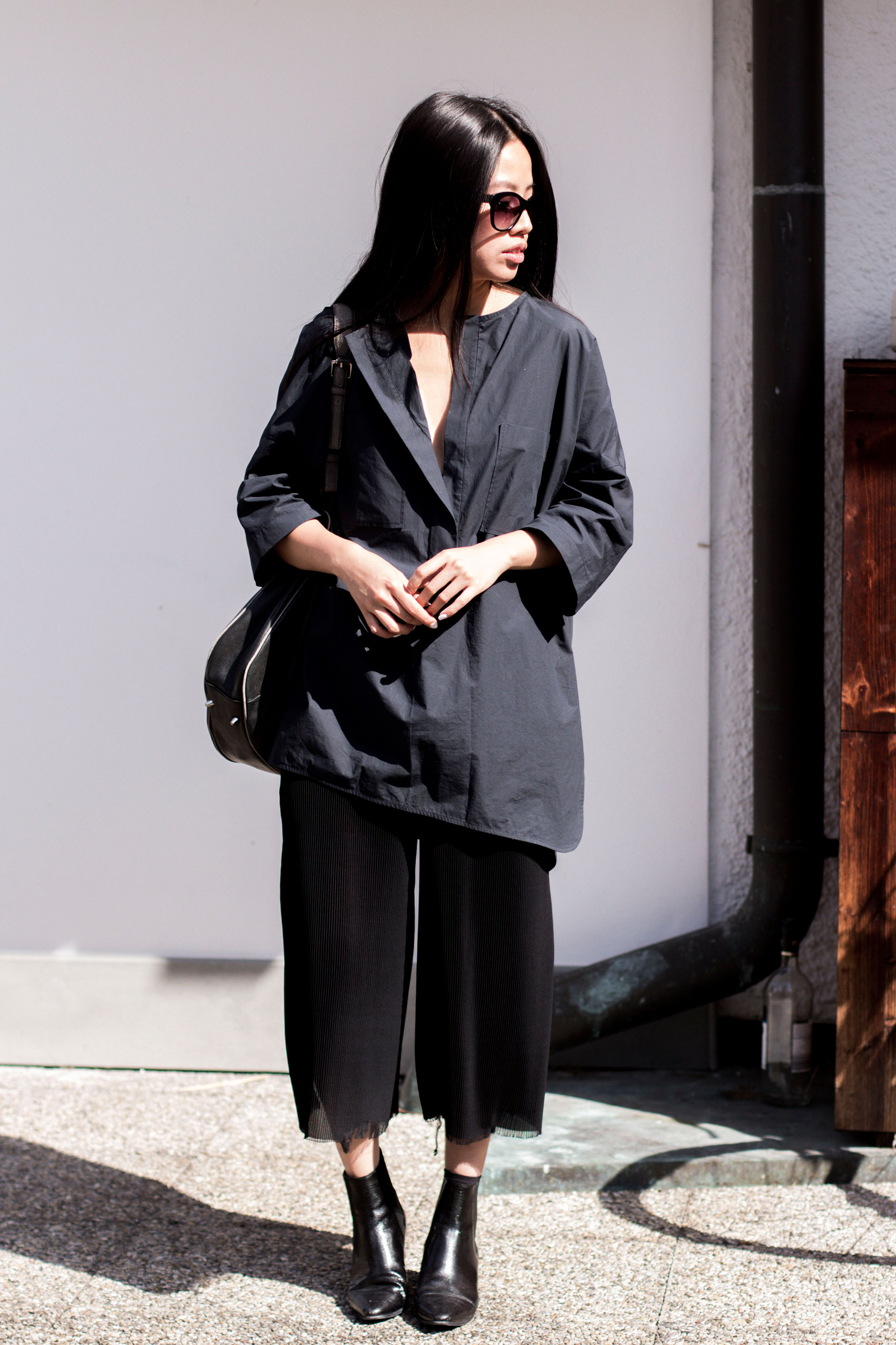 IHEARTALICE – Travel, Lifestyle & Fashion-Blog from Berlin/Germany by Alice M. Huynh: Odeeh Blouse, Alice M. Huynh Pleated Trousers, Saint Laurent Paris Black Stamped Lizard Boots, Rodenstock Shades, &OtherStories Leather Bag.