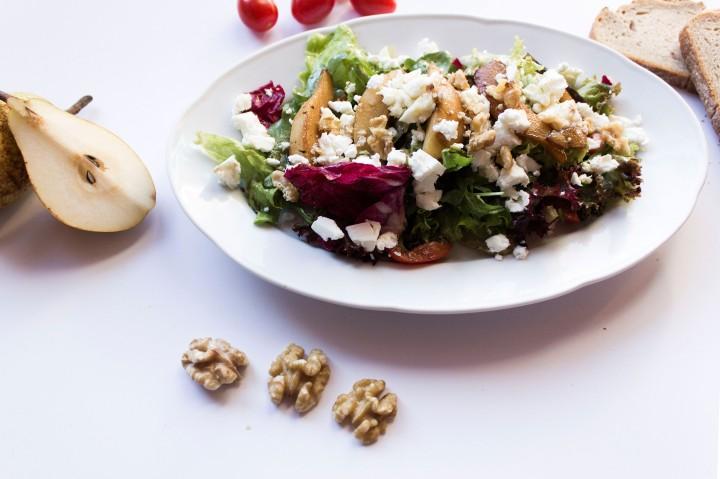 IHEARTALICE.DE – Travel, Fashion, Lifestyle & Food-Blog from Berlin/Germany by Alice M. Huynh: Herbstlicher Salat mit karamellisierten Birnen Rezept von Yvi Huynh / Foof Friday