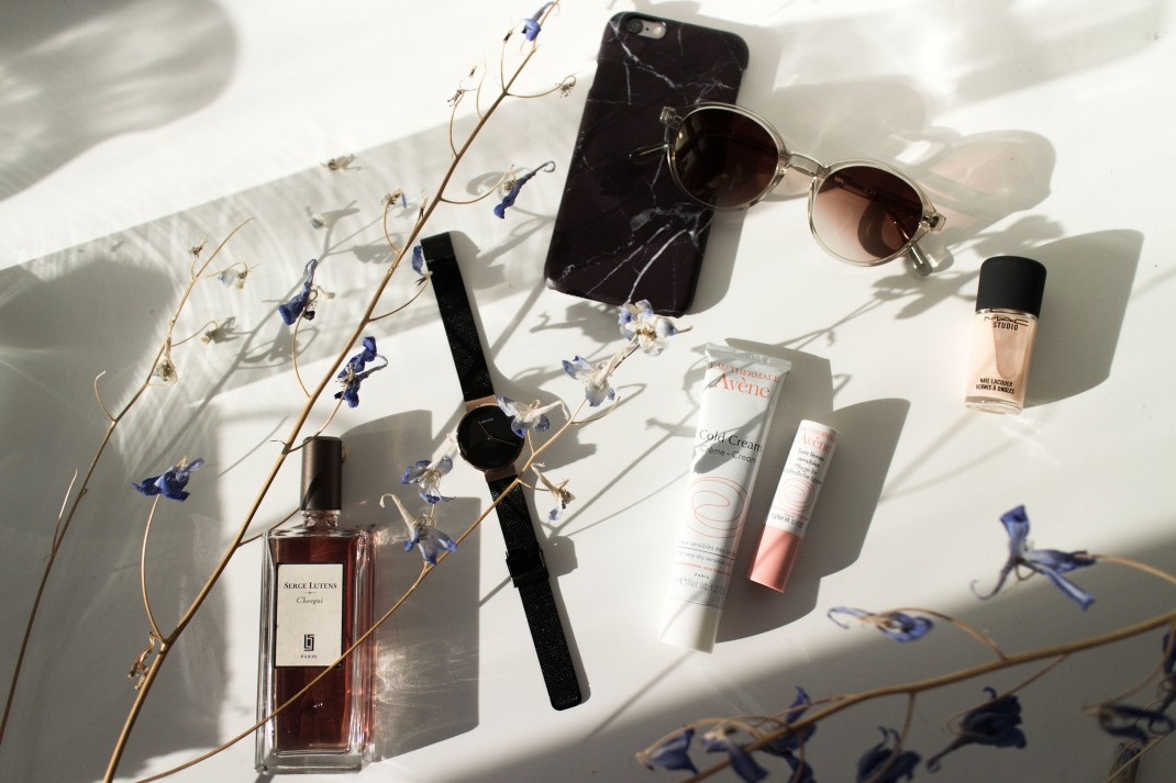"""IHEARTALICE.DE - Fashion, Travel, Lifestyle & Beauty-Blog by Alice M. Huynh from Berlin/Germany: Avène Pflegeserie für den Winter, Bering Milanaise Watch, Serge Lutens Chergui Fragrance, Black Marble iPhone Case, Malaika Raiss x VIU Shades, MAC Studio Nail Laquer """"Lightness of Being"""" Nude Color / What's in my Bag? – Iceland"""