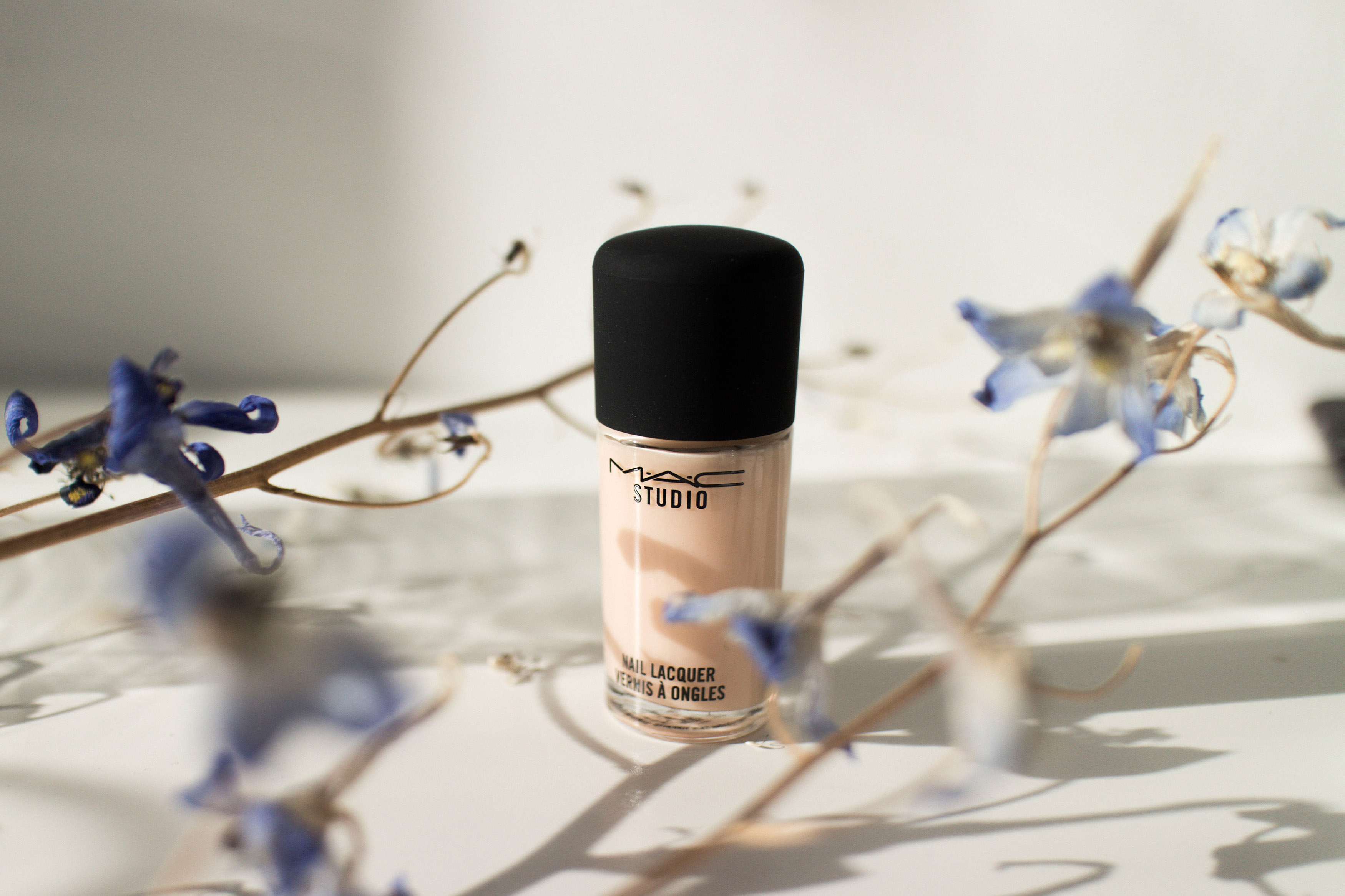 "IHEARTALICE.DE - Fashion, Travel, Lifestyle & Beauty-Blog by Alice M. Huynh from Berlin/Germany: MAC Studio Nail Laquer ""Lightness of Being"" Nude Color / What's in my Bag? – Iceland"