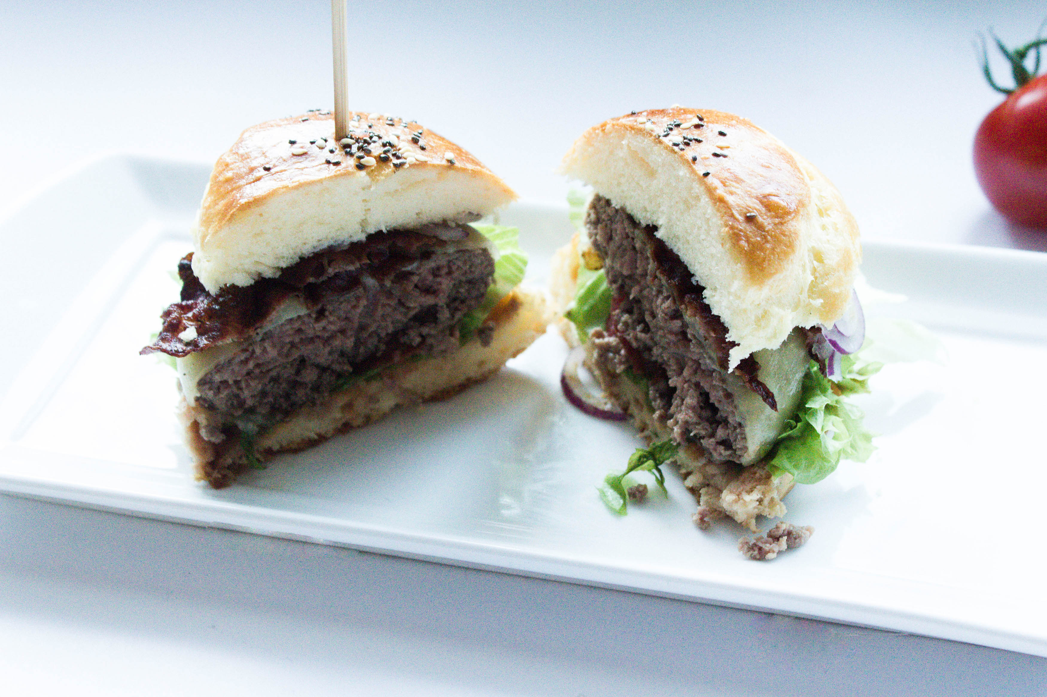 IHEARTALICE.DE – Fashion, Travel, Lifestyle & Food-Blog by Alice M. Huynh from Berlin/Germany: Dreierlei Mini-Burger: Klassischer Burger, Low Carb Pilz Burger, Veggie Burger & Selbstgemachte Burger-Brötchen / Rezept by Yvi Huynh