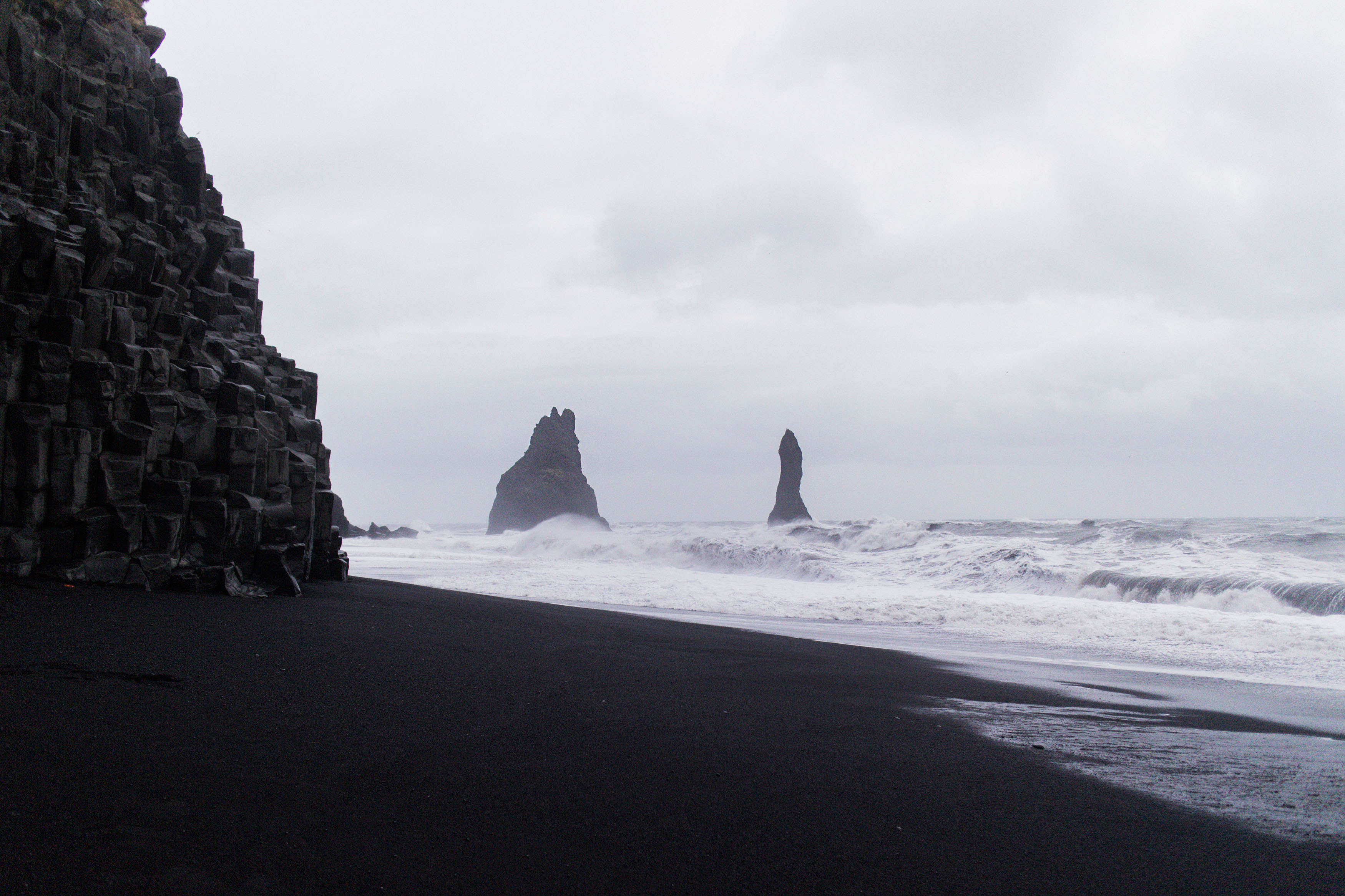 IHEARTALICE.DE – Fashion, Lifestyle & Travel-Diary by Alice M. Huynh from Berlin/Germany: Iceland Travel Diary / Black Sand Beach / Reynisfjara in Vìk