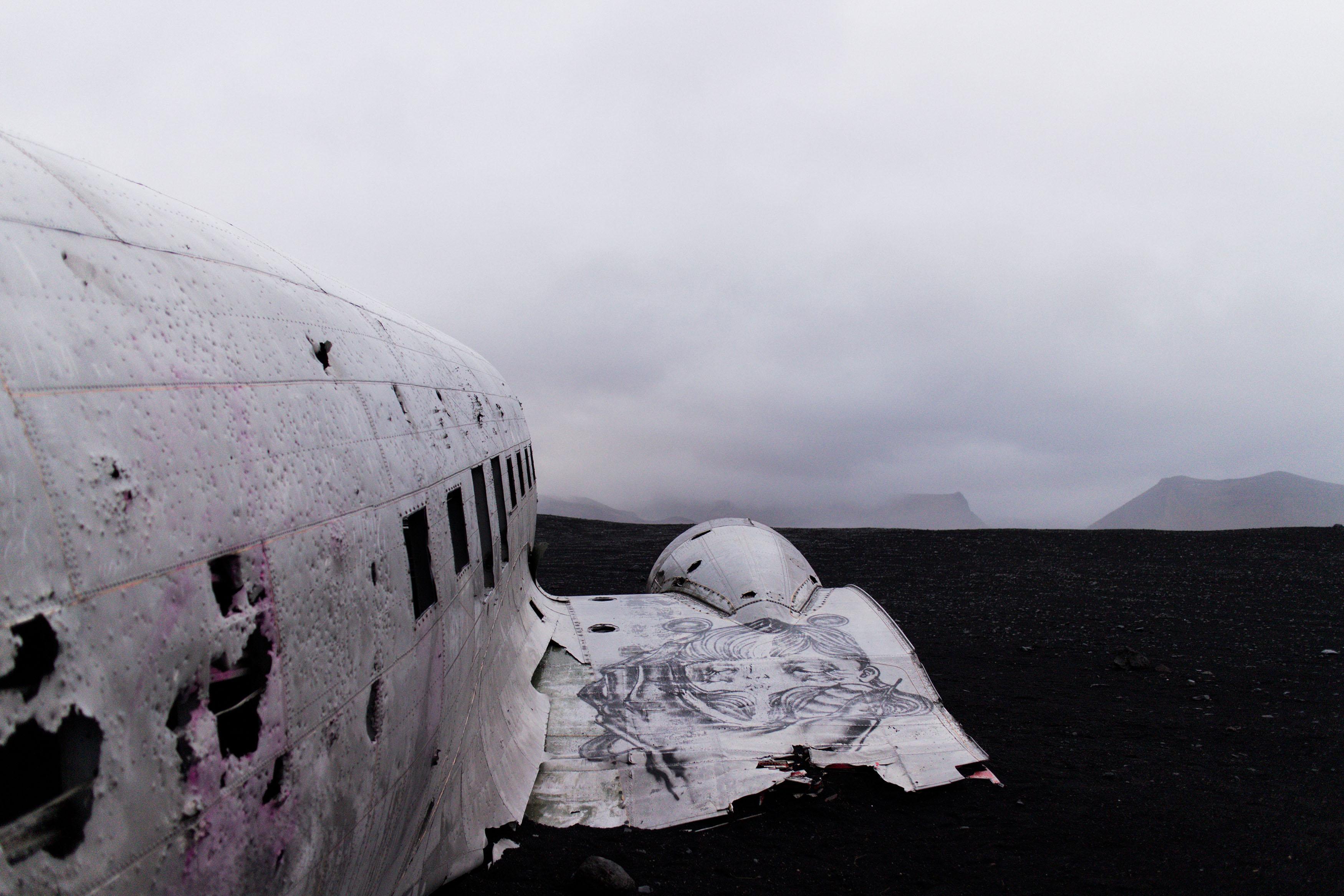 IHEARTALICE.DE – Fashion, Lifestyle & Travel-Diary by Alice M. Huynh from Berlin/Germany: Iceland Travel Diary / Black Sand Beach / Dc-3 Plane Wrackage on Sólheimasandur