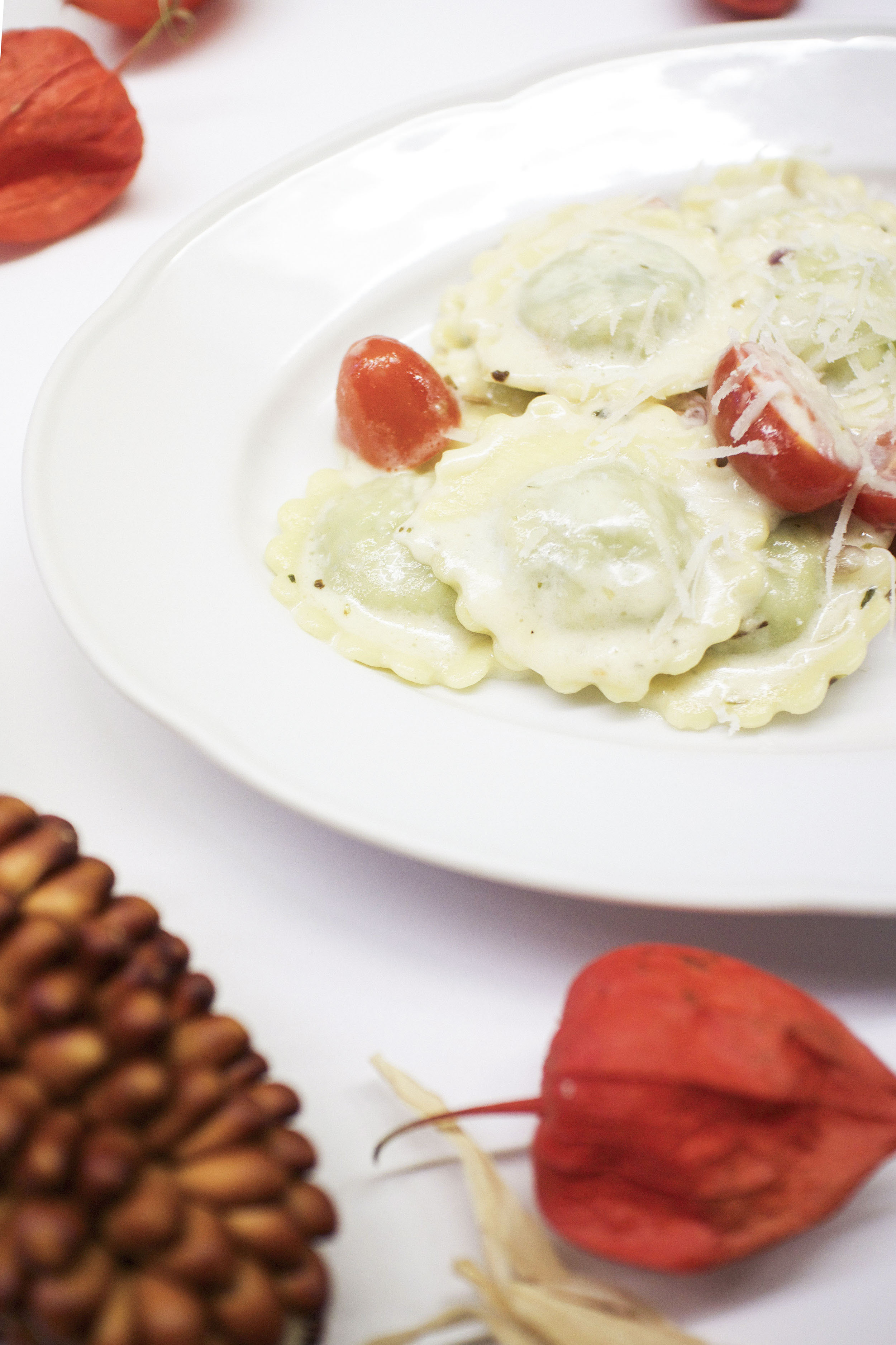 IHEARTALICE – Fashion, Travel, Lifestyle & Food-Blog by Alice M. Huynh: Selfmade/Homemade Spinach-Ricotta Ravioli in Honey-Cream Sauce Recipe / Column by Yvi Huynh